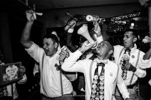 Gravata do noivo entre as tradições da festa de casamento