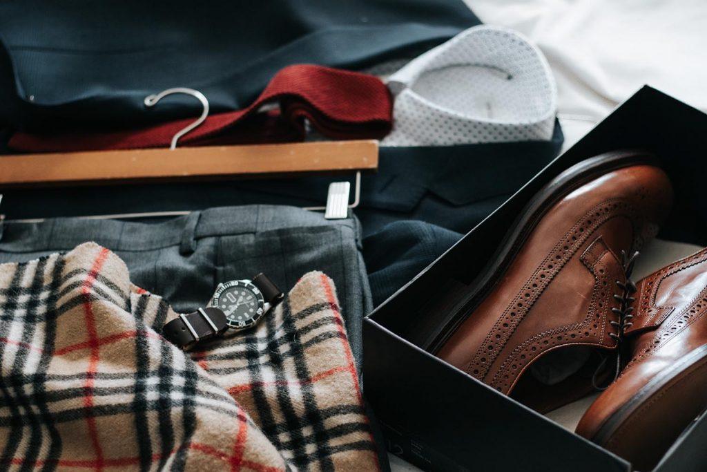 Os estilos de trajes e roupas para eventos